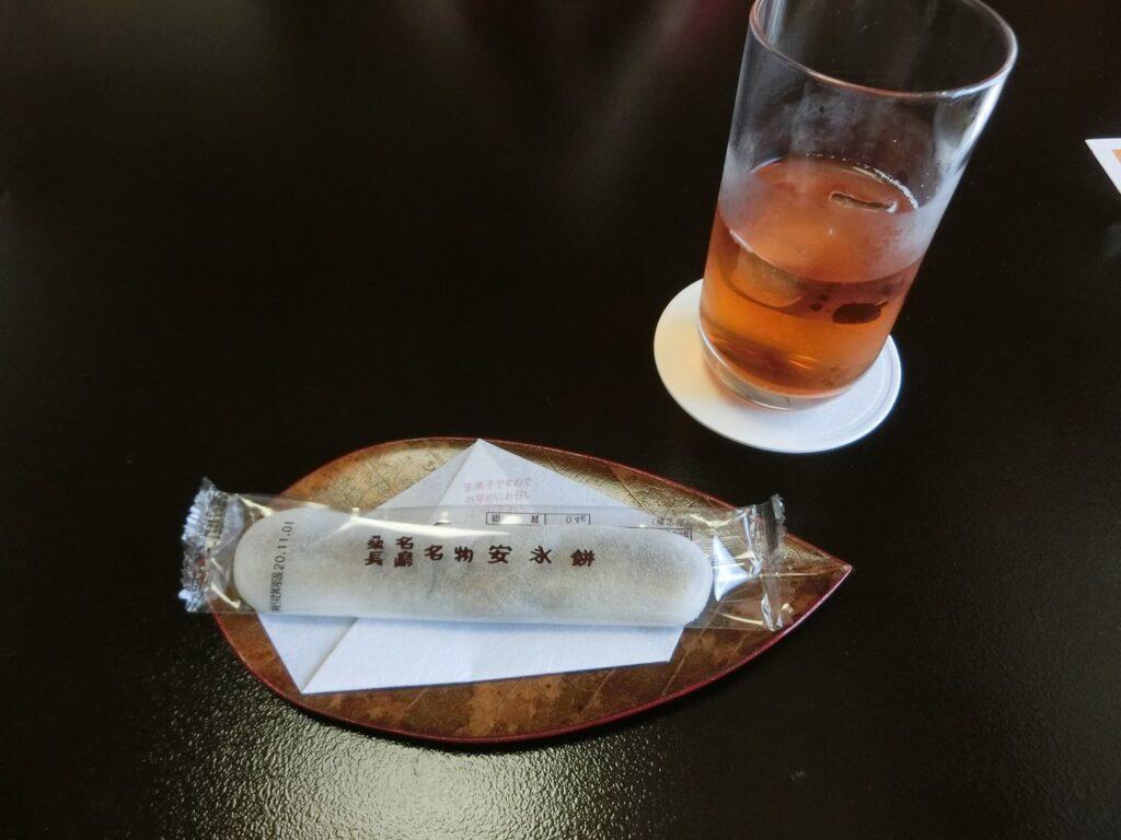安永餅とお茶